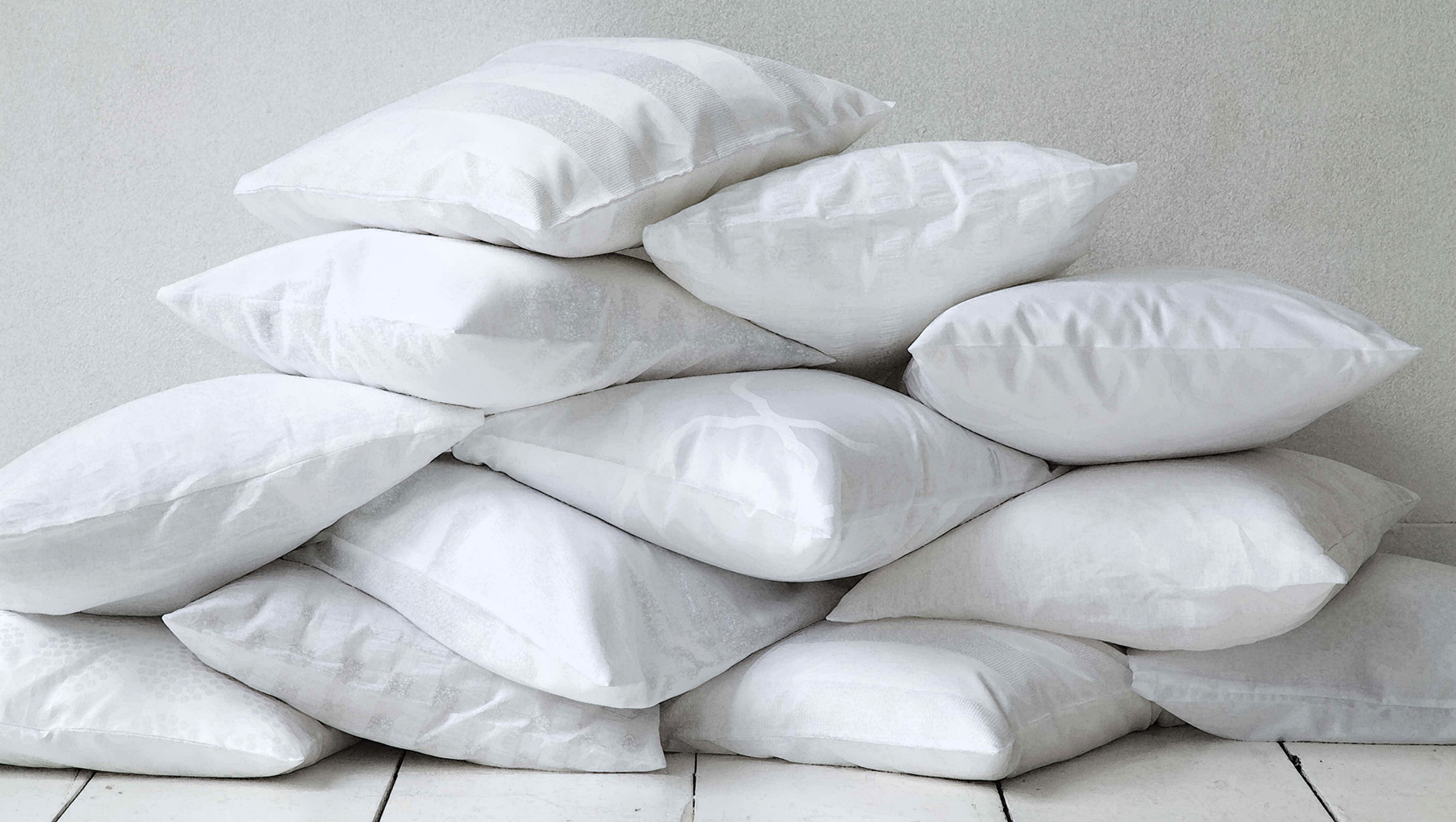 Sound sleep with many pillows